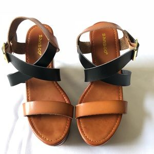 BAMBOO Shoes - Bamboo Brown/Black Wood Wedge Strap Sandals